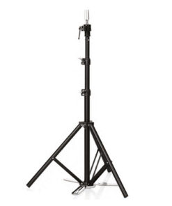 Stativo metallo regolabile Xanitalia per testa studio. Misure: cm 78/168 h (max)