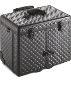 Trolley Balck Diamond Xanitalia valigia trolley rigido, vano centrale di grandi dimensioni. Due cassetti superiori rigidi e vano anteriore dotato di tasche verticali. Finitura nero diamantataMisure: cm 41 x 40 x 30,5 h