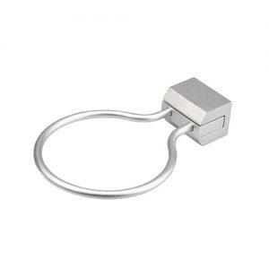 Porta Phon Ring Go realizzato in metallo per postazione da lavoro da muro. Diametro: 8,4 cm